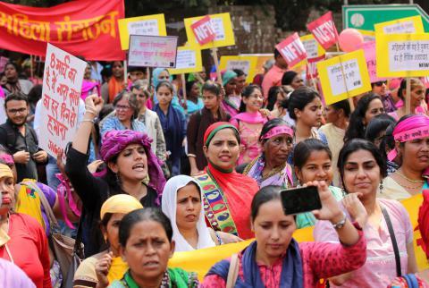 Imagini pentru mujeres comunistas india